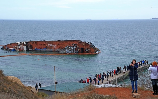 Собственник танкера «Делфи» вышел насвязь