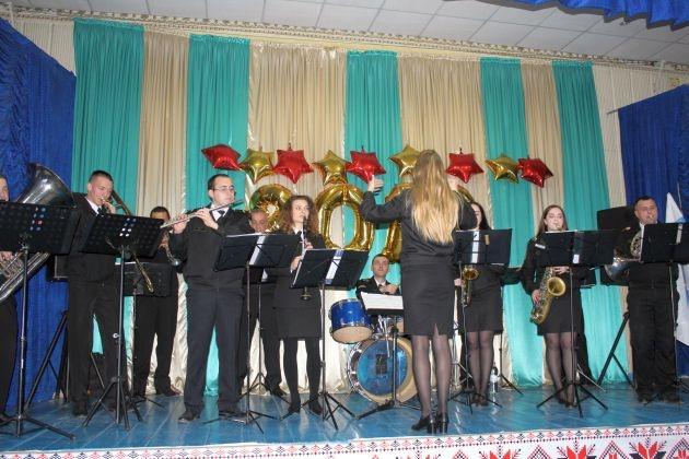 В школе № 39 ко Дню Вооруженных Сил Украины прошел концерт