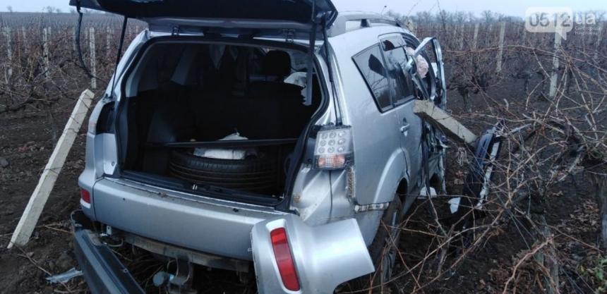 На трассе под Коблево столкнулись трактор и «Мицубиси»: пострадала пассажирка