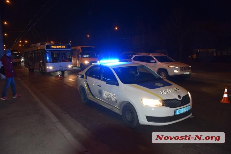 В центре Николаева «девятка» сбила пешехода