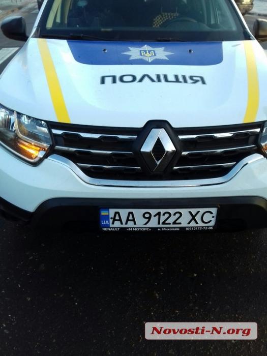 В Николаеве полицейский автомобиль сбил пешехода на переходе