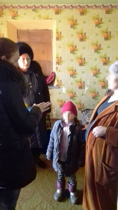 На Николаевщине многодетная мать отказалась водить в школу младшего ребенка