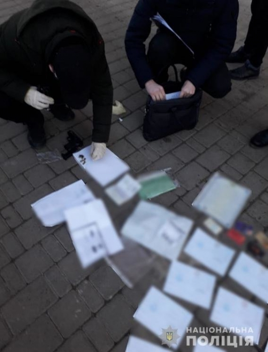 Житель Николаевщины создавал макеты для поддельных документов