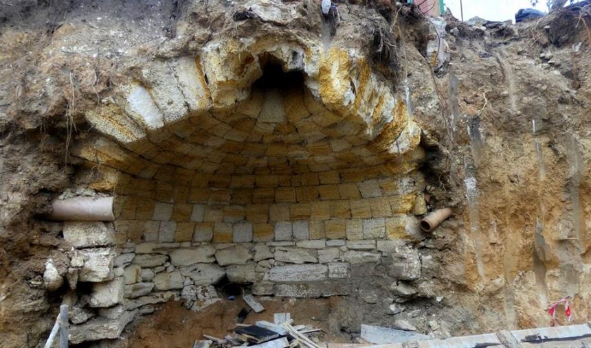 В Николаеве во время строительства нашли старинную подземную кладку