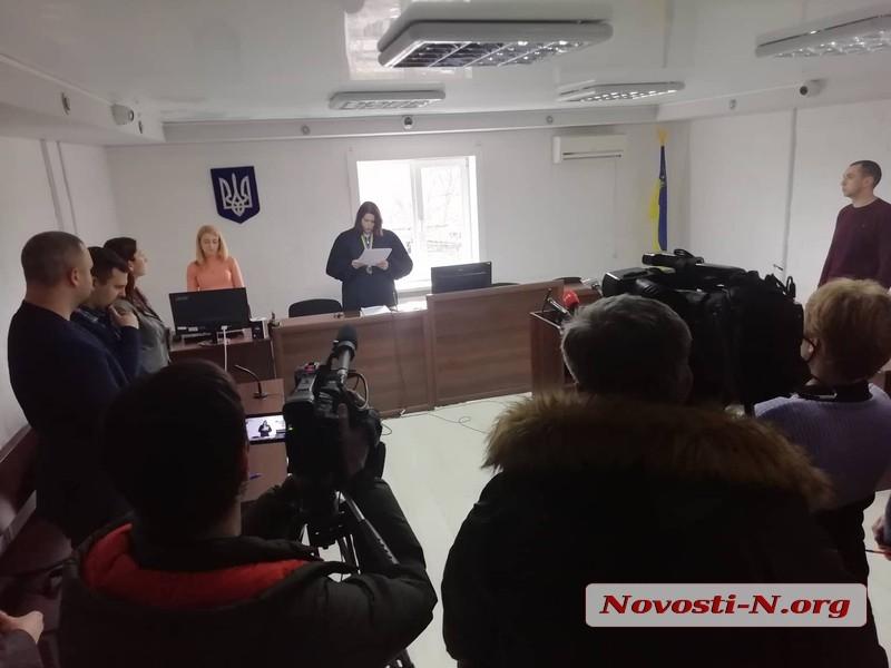 В Николаеве горсовет обязали выплатить 60 тыс грн женщине, которую укусила бешеная собака