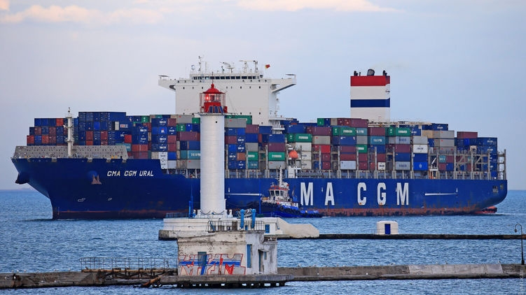 В порт Одессы зашло судно из Китая, экипаж которого подозревают в заболевании вирусом Сovid-19