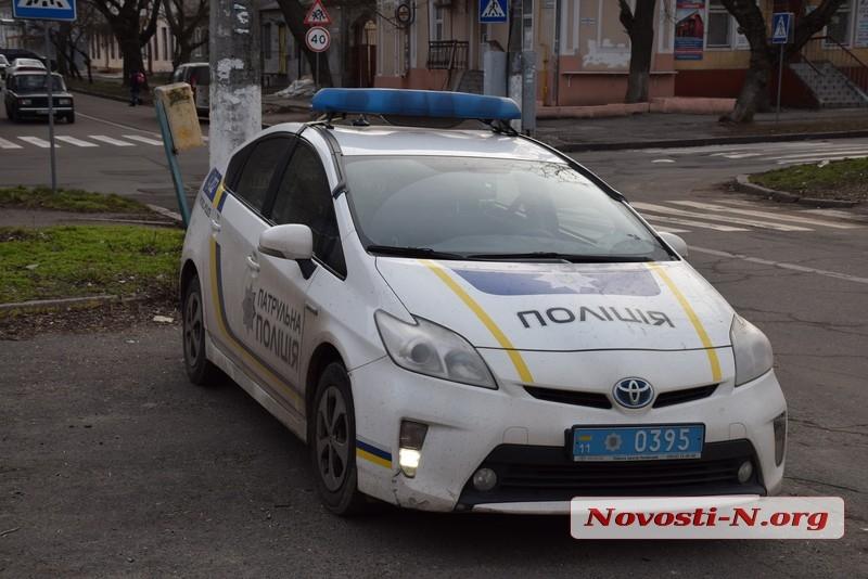 В Николаеве «Тойота» влетела в столб: водителя госпитализировали