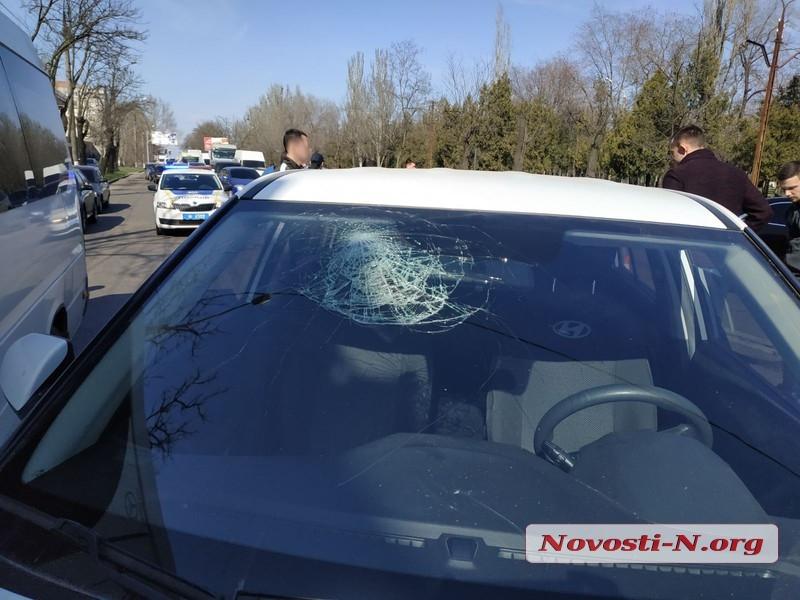 ДТП с 4 машинами в Николаеве: отлетевший «Чери» чуть не сбил пешеходов. ВИДЕО