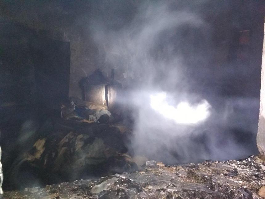 В Николаеве во время пожара дома нашли труп неосторожного курильщика