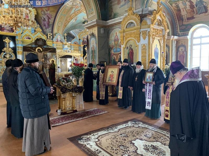 Священнослужители на всех въездах в город помолились о помощи Николаеву во время эпидемии. ВИДЕО