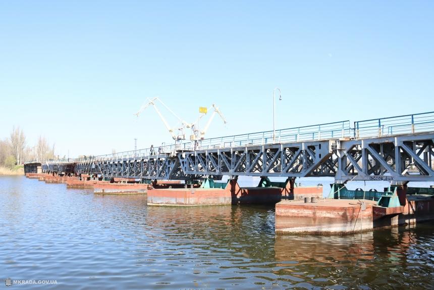 В Николаеве открыли для пешеходов понтонный мост