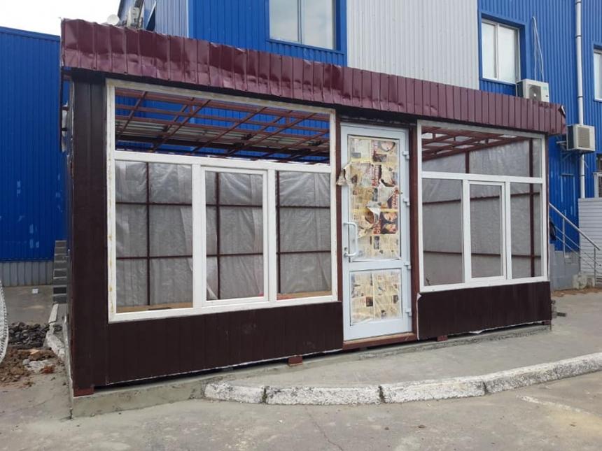 В Николаеве возле «Магеллана» снесли очередной незаконный киоск
