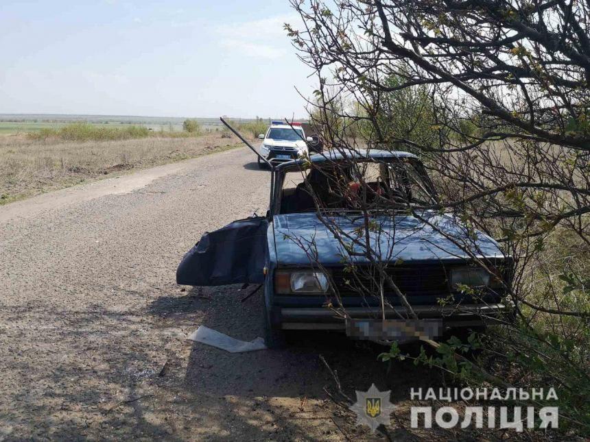 На Николаевщине перевернулись «Жигули»: пострадавшие водитель и пассажир госпитализированы