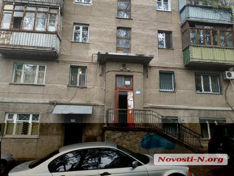 В Николаеве муж перерезал горло жене, отказавшейся писать на него заявление в полицию
