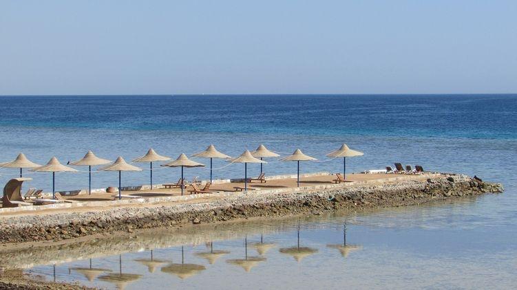 В Турции готовятся открыть пляжный сезон и отели для гостей страны уже в июне
