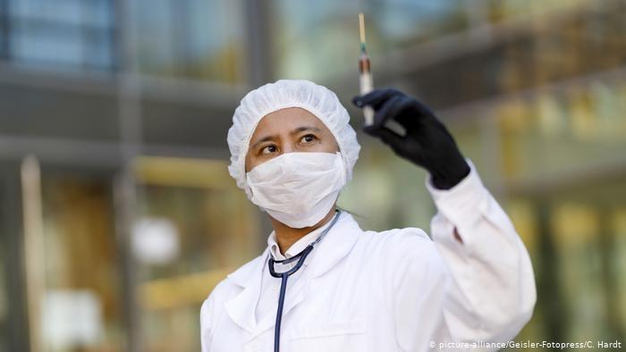 Вакцина против Covid-19 будет готова не раньше, чем через год - ЕС