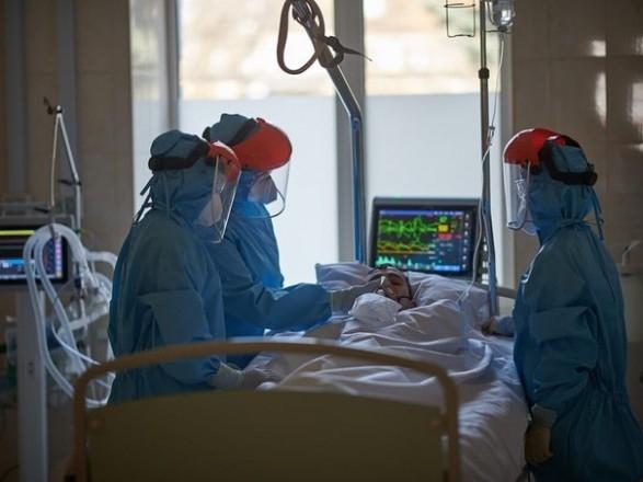 Количество случаев COVID-19 в Украине превысило 20 тысяч