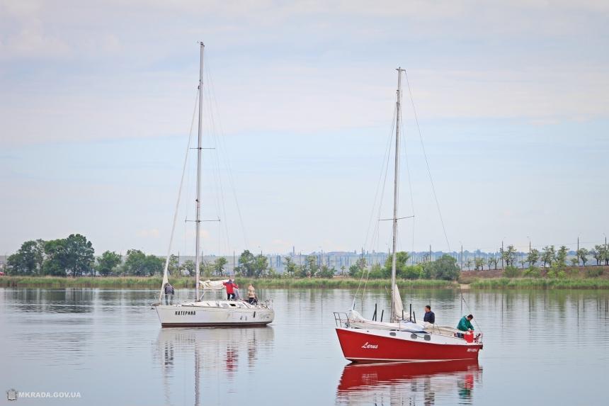 В Николаеве стартовала первая регата – из-за карантина участвовали всего 15 яхт. ФОТОРЕПОРТАЖ