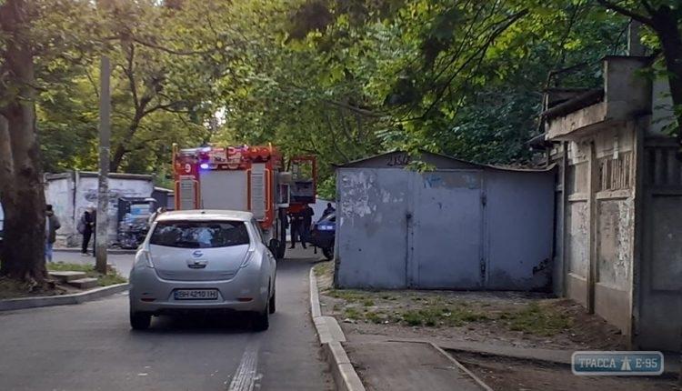 Обгоревшие части человеческого тела обнаружены за гаражами в Одессе