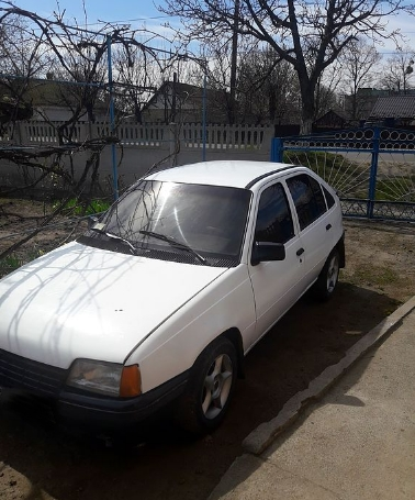В Первомайске разыскивают похищенный автомобиль Opel Kadett
