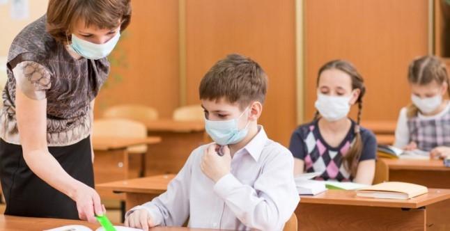 Минобразования планирует, что в новом учебном году ученики вернутся в классы, - Мандзий