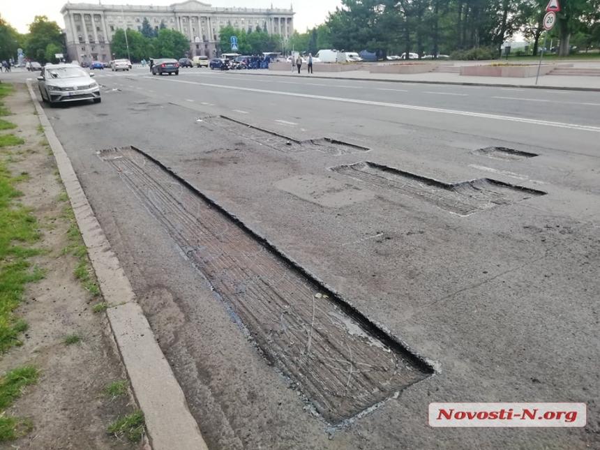 В Николаеве вновь ремонтируют «убитую» улицу Адмиральскую