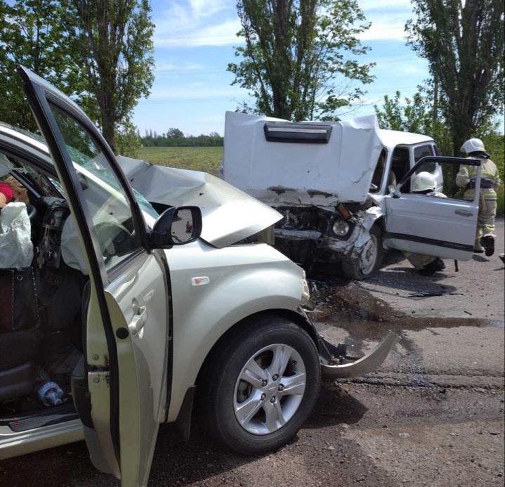 На Николаевщине при столкновении «Дайхатсу» и ВАЗа погиб мужчина: тело из авто вырезали спасатели