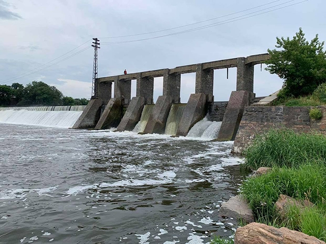 В Первомайске возле плотины гидроэлектростанции утонул мужчина