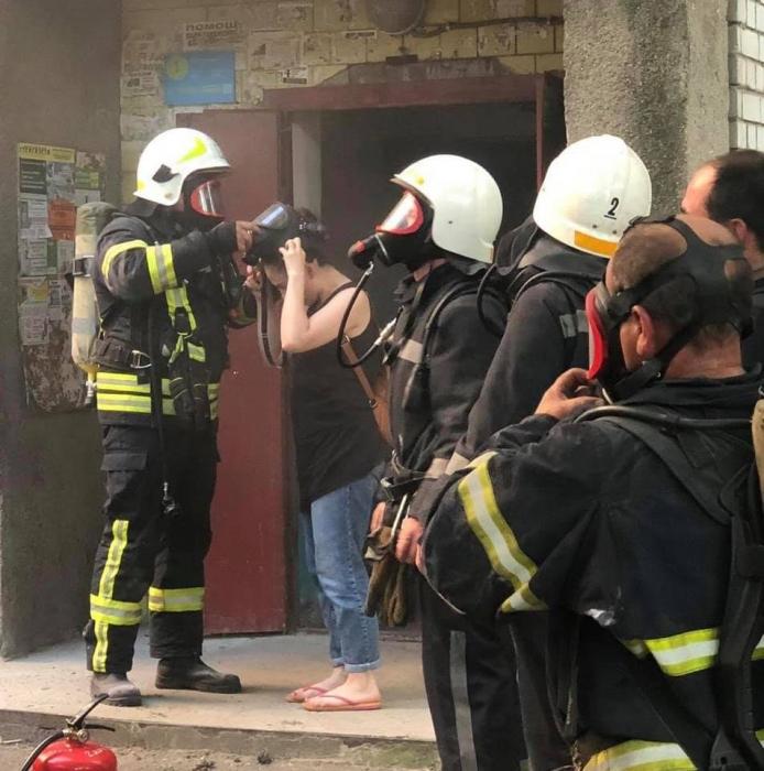 В Николаеве горела шахта в девятиэтажке: эвакуированы 4 человека, из которых 1 ребенок