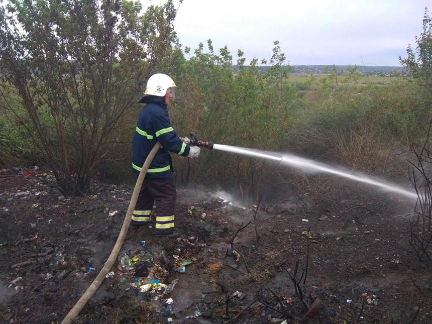 На Николаевщине за сутки горела пшеница, сухая трава и мусор