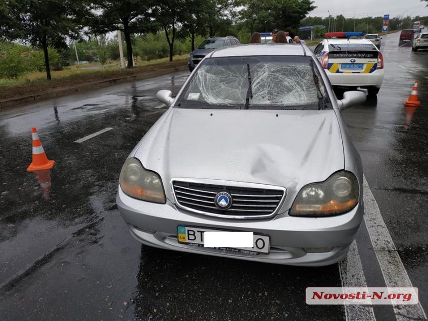 В Николаеве девушка на «Джили» сбила пешехода — пострадавший госпитализирован