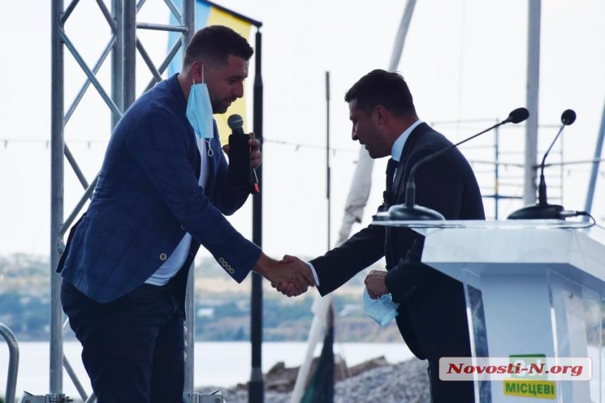 Фоторепортаж с визита Зеленского на 8-й причал в Николаеве