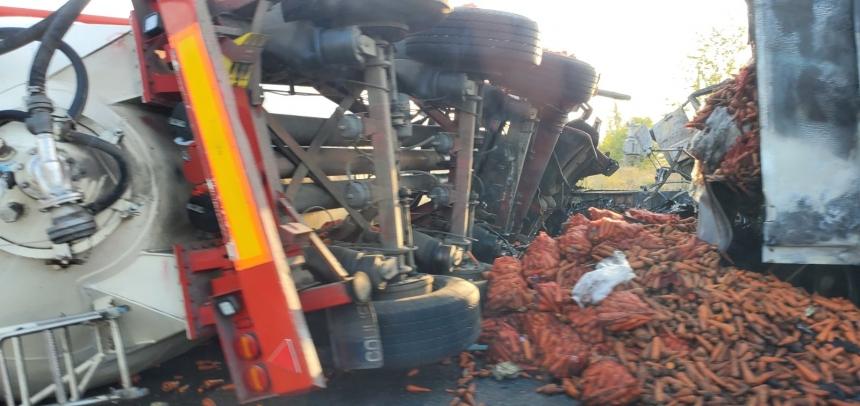 Под Вознесенском столкнулись две фуры — возник пожар, погибли два человека