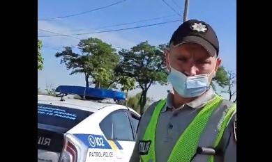 В Николаеве патрульные остановили «скорую» с больным — машину задержали на 50 минут
