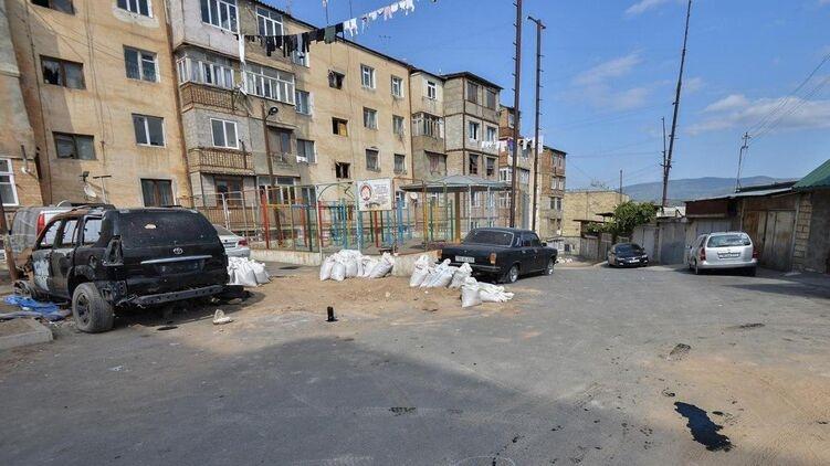 Армения объявила об уничтожении колонны военной техники Азербайджана. Видео