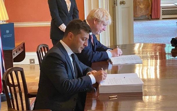 Зеленский иДжонсон подписали новое соглашение между Украинским государством  иВеликобританией