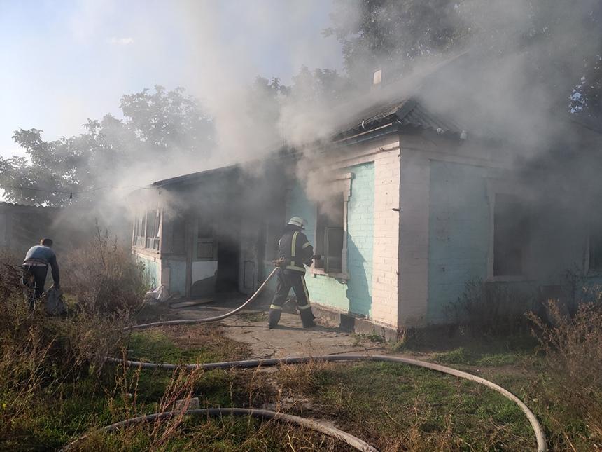 В Николаевской области неосторожный курильщик поджег свой дом