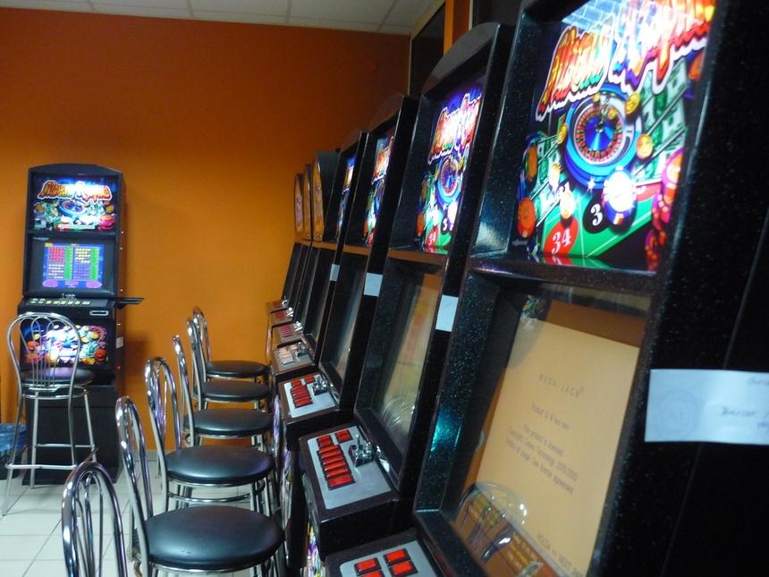 зал игровых автоматов буденовмкий