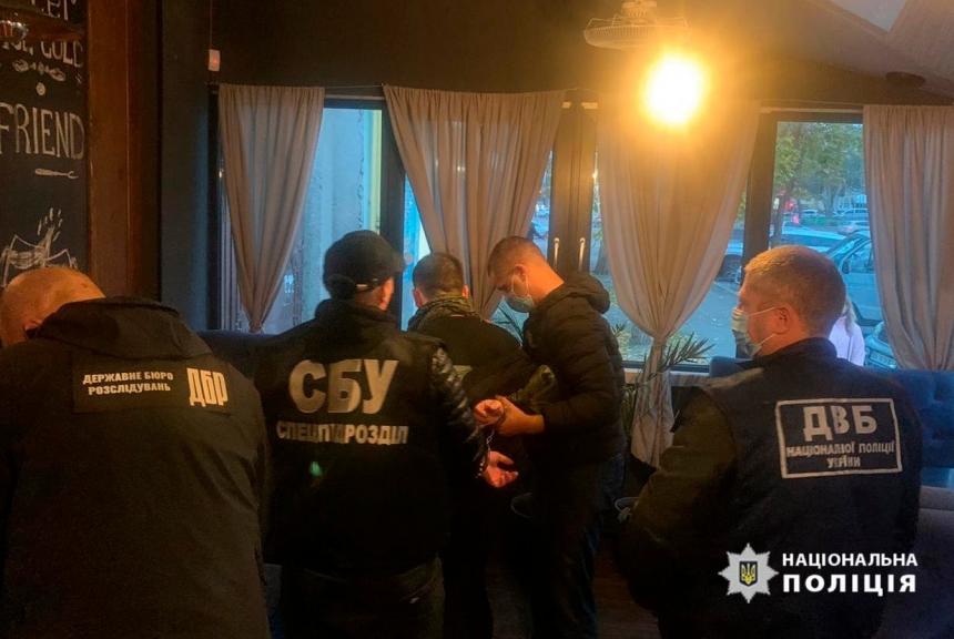 В Николаеве патрульного поймали на продаже амфетамина