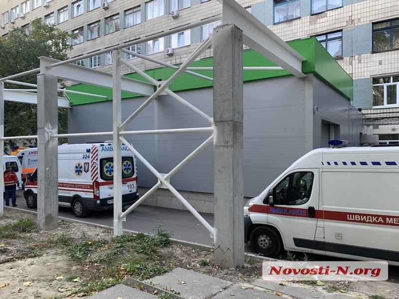В Украине за сутки новый антирекорд по заболевшим COVID-19 - 8 899 человек