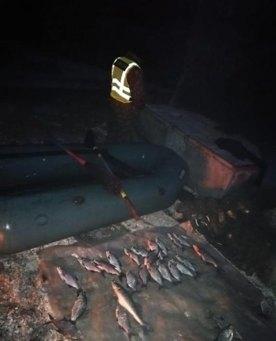 Возле Матвеевки наказали браконьера - изъяли сети и лодку
