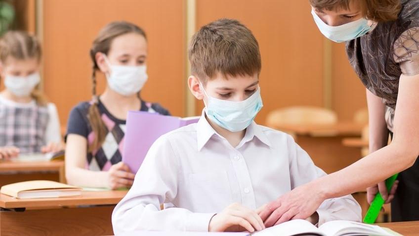 В ВОЗ сообщили, что закрытие школ не поможет в борьбе с пандемией