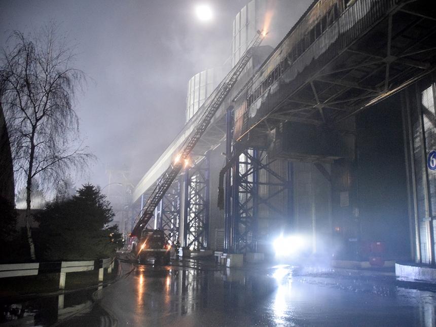 Пожар на конвейере для чего применяют конвейеры с покрывающей лентой