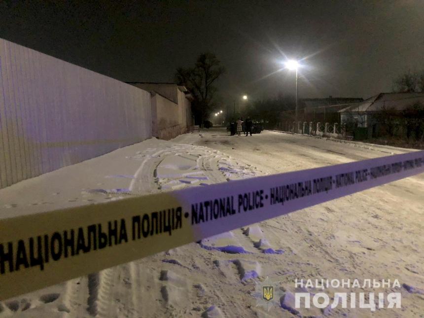 В Николаевской области сын отрезал отцу гениталии и отстреливается от  полиции: есть раненые