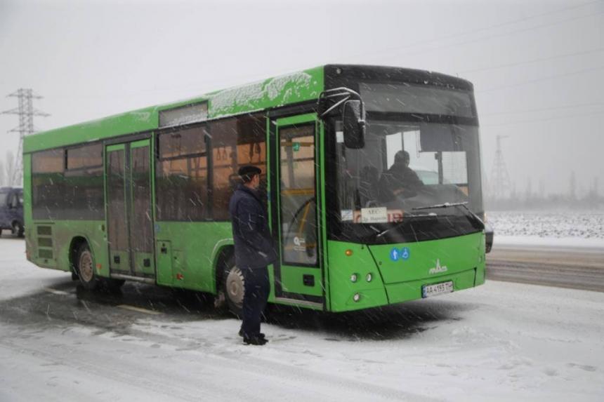 ДТП в Южноукраинске: водитель фуры уходил от столкновения с автобусом — подробности