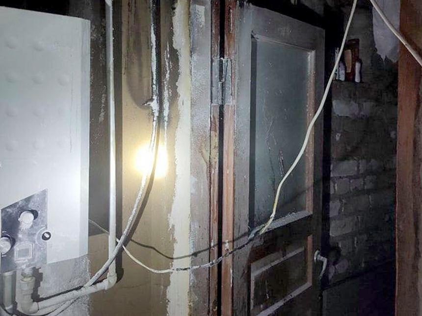 В Николаеве горел дом – спасатели предотвратили взрыв газовой колонки