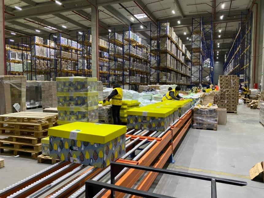 «Пакеты малыша» будут закупать через Prozzoro: появилось видео с завода по упаковке