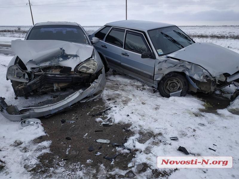 В Николаеве лоб в лоб столкнулись Daewoo и «Лада»: пострадала пассажир