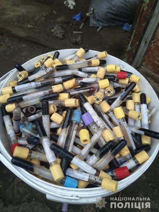 В Николаевской области складировали тонны опасных медицинских отходов