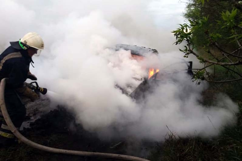 В Николаевской области перевернулся и загорелся «Шевроле»